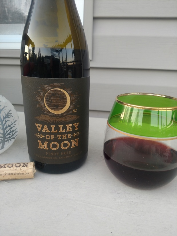 ValleyOfTheMoonWineDisplay2